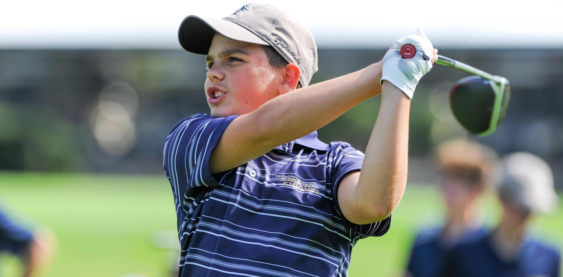 Knoch golfer