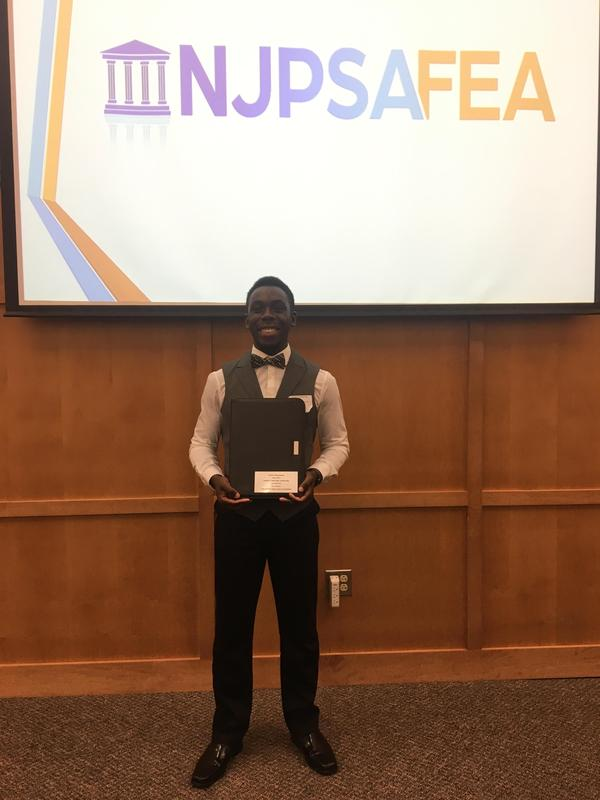 Justin Acheampong Named as Recipient of Student Leadership Scholarship Award Featured Photo