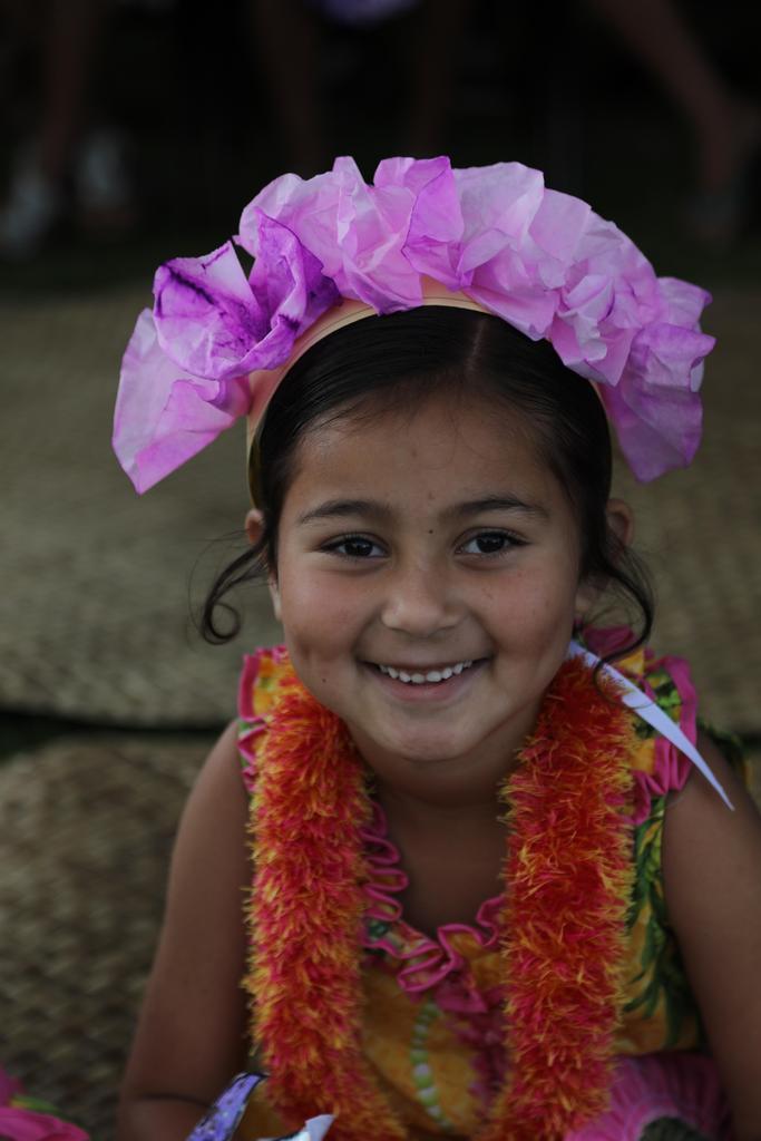 girl with pink haku