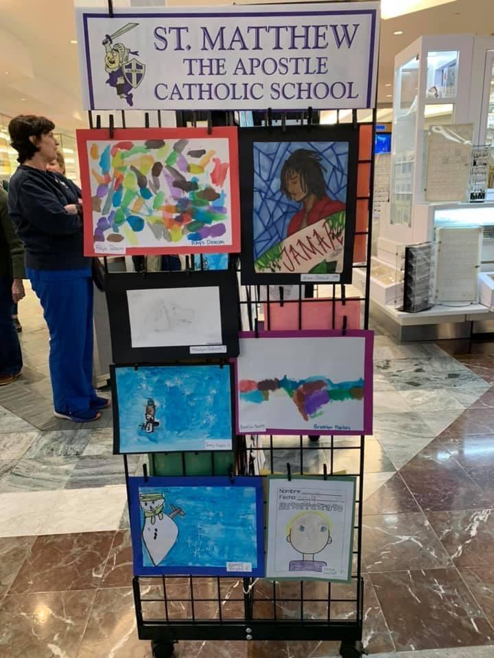 Art display at Lakeside Mall