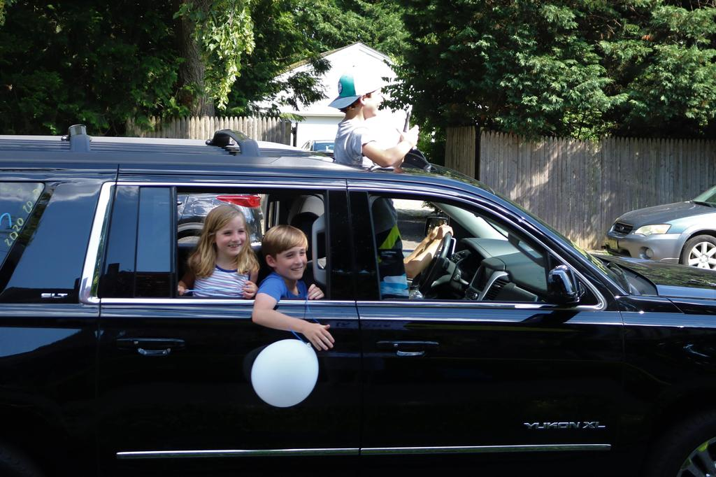 Photo of Franklin 5th grader and family during Grade 5 Clap Out Car Parade