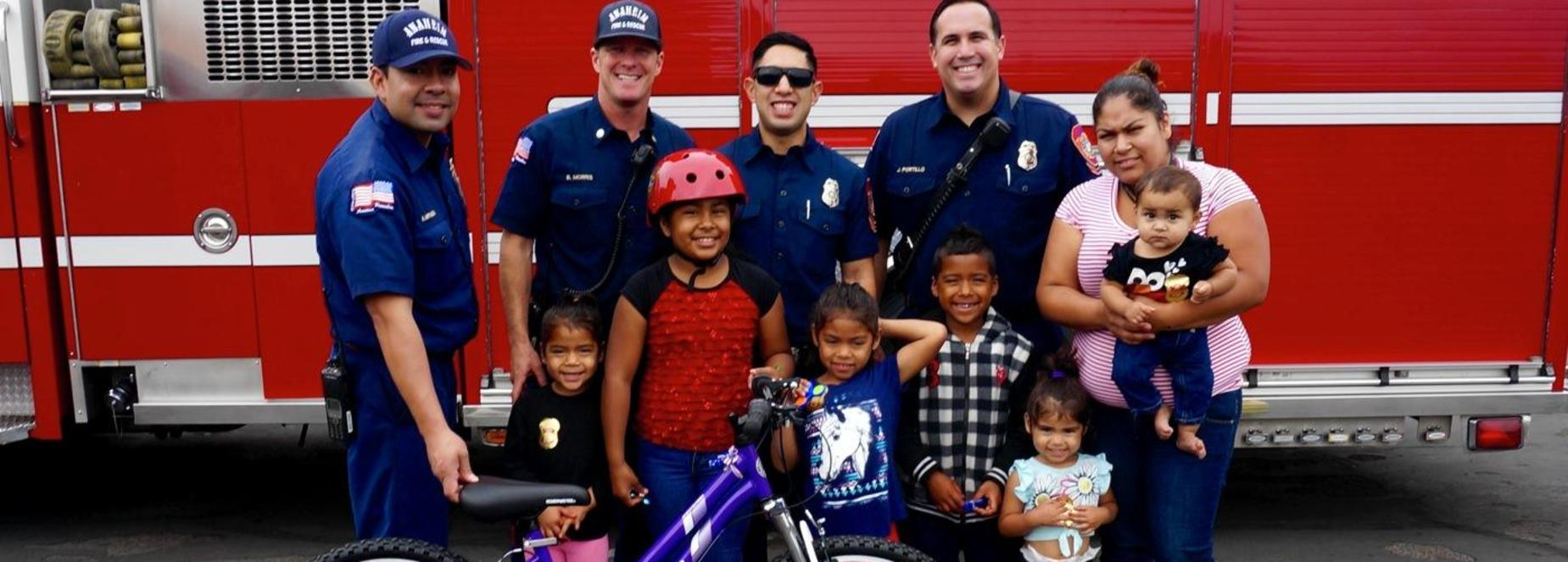 Magnolia students with firefighters