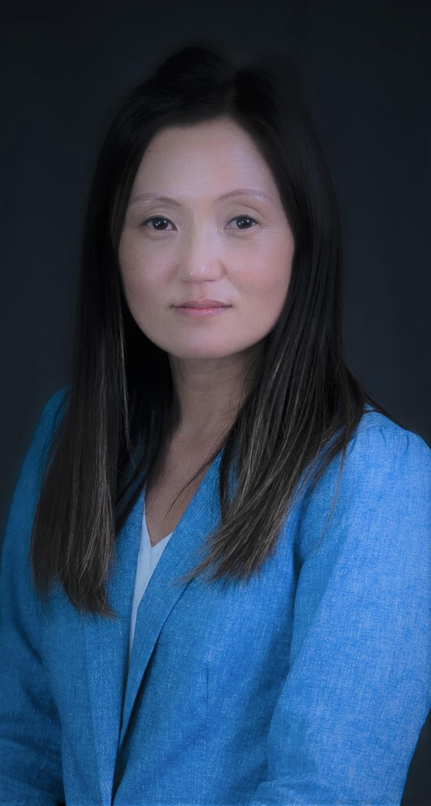 Seri Hwang, Director of Educational Programs