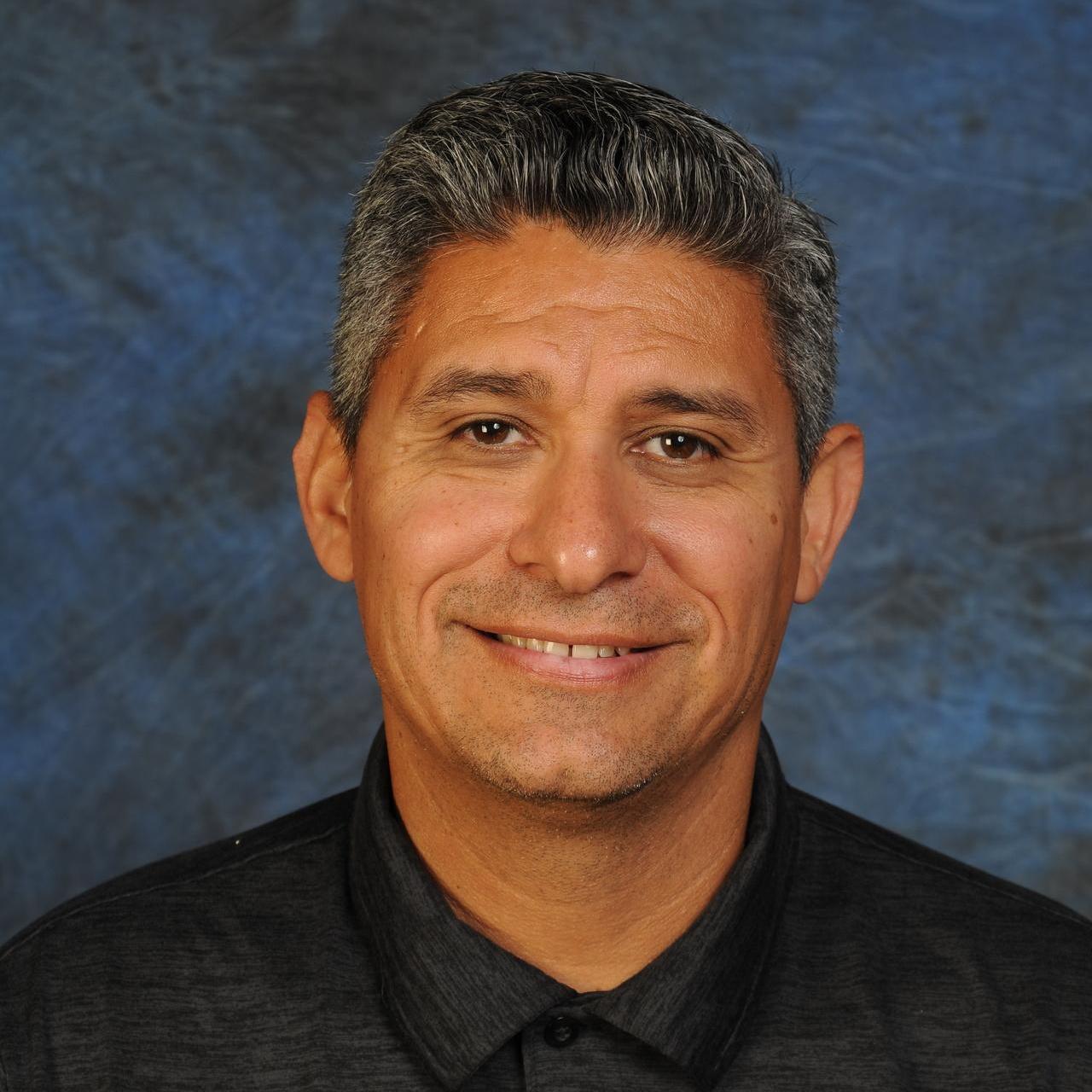 Ernesto Serratos's Profile Photo