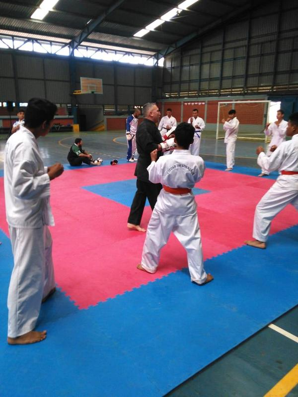 Convivio de karatekas Featured Photo