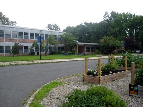 Exterior of Tamaques School
