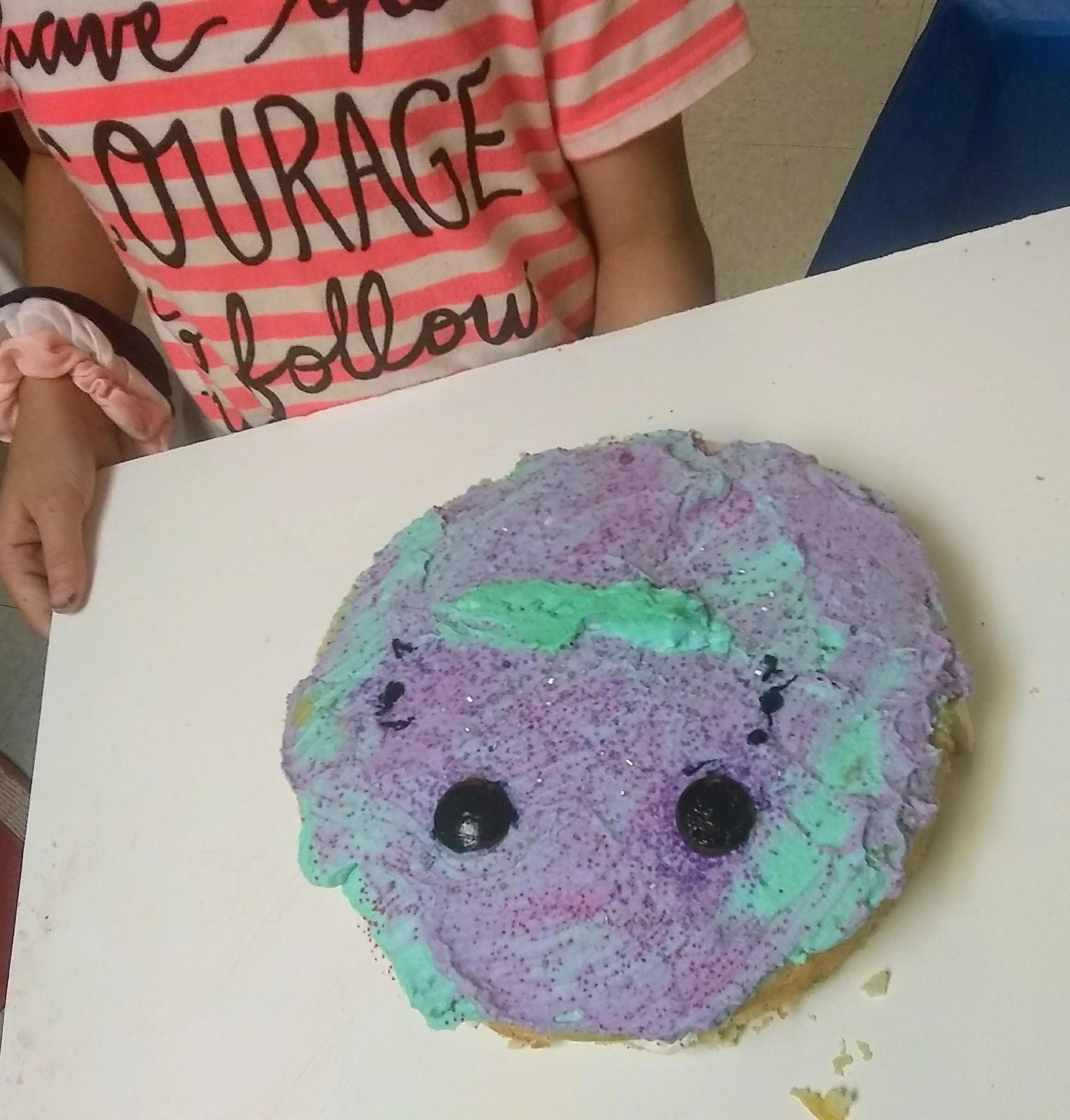 a smiley face cake