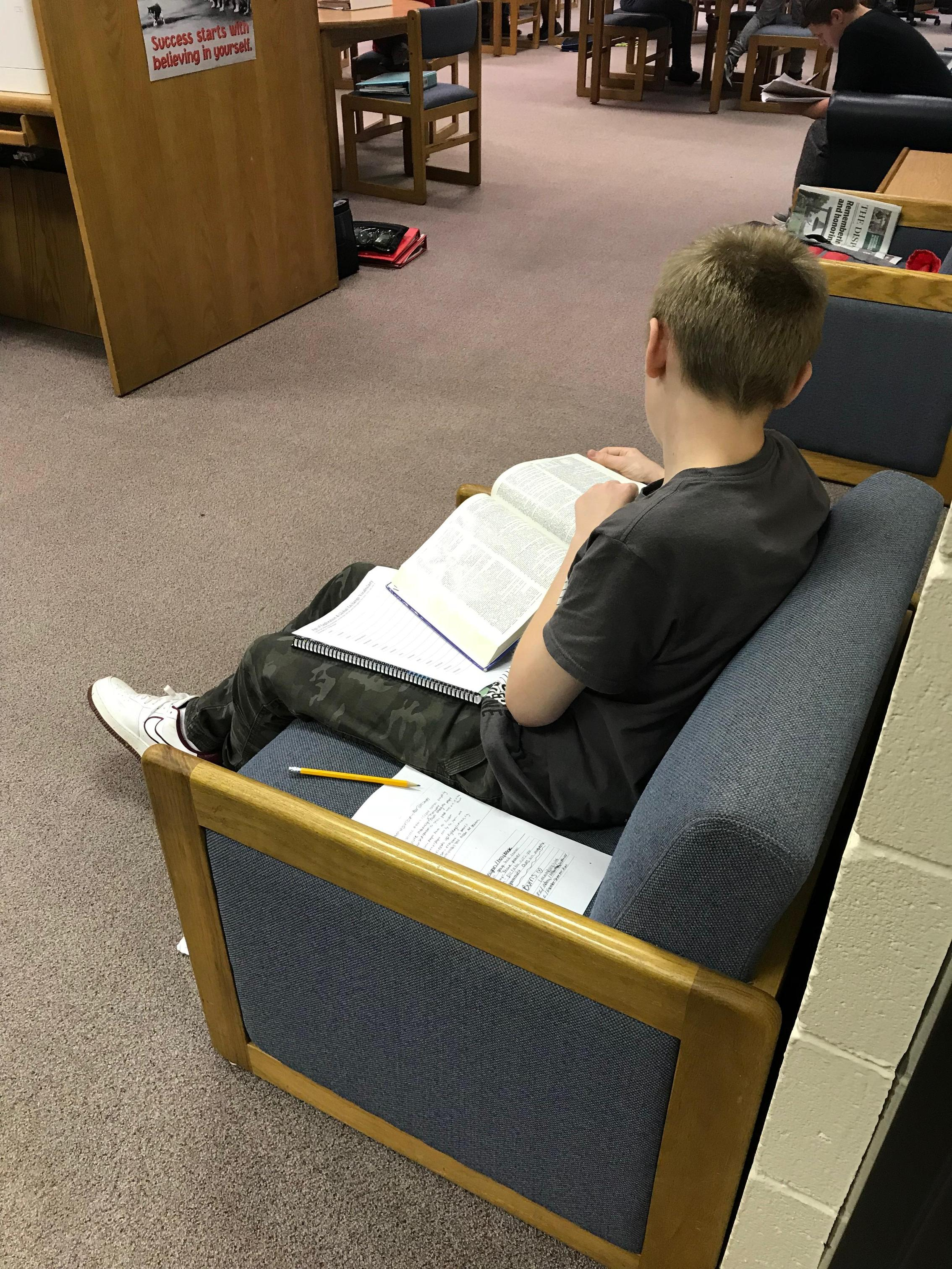 Student searching for definitions for Social Studies