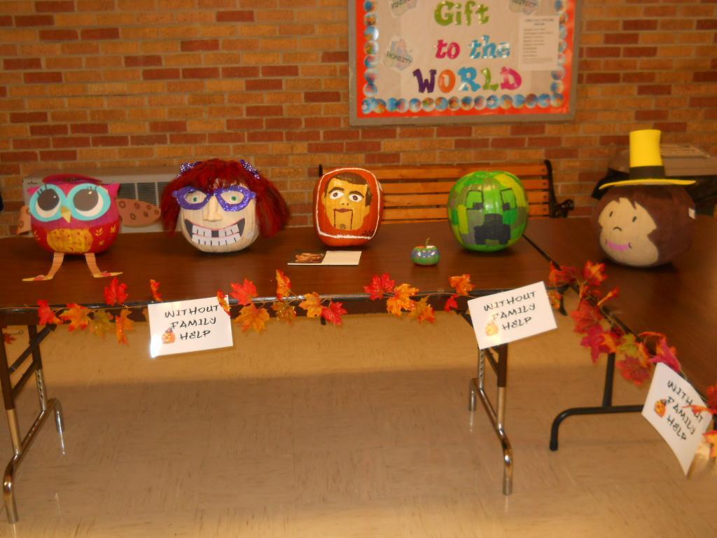 WES Pumpkin Decorating Contest 2015