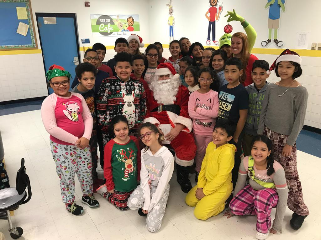 3rd 4th grade class with santa