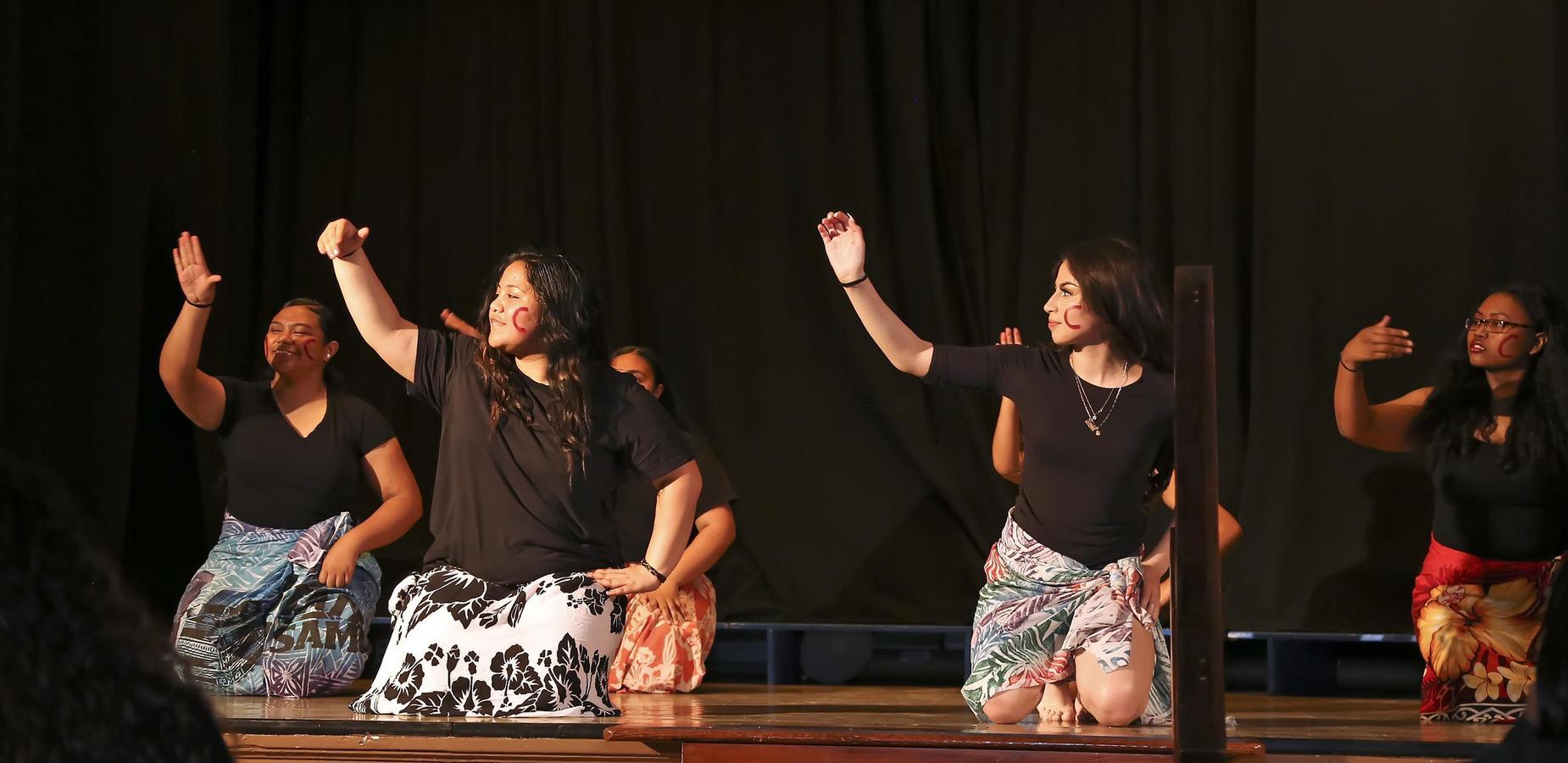 Polynesian Club performing at Junior/Senior Farewell