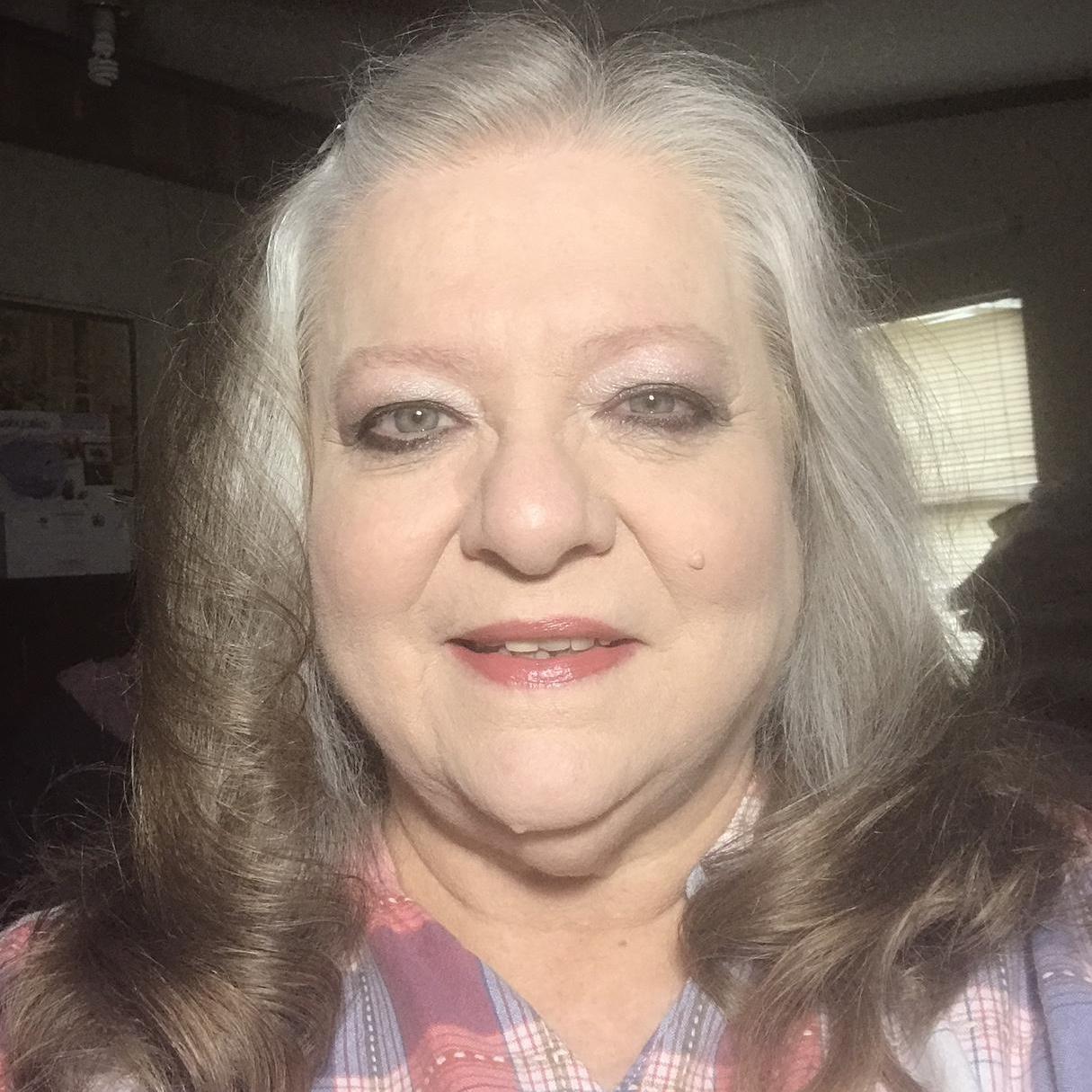DEBBIE LOLLIE's Profile Photo