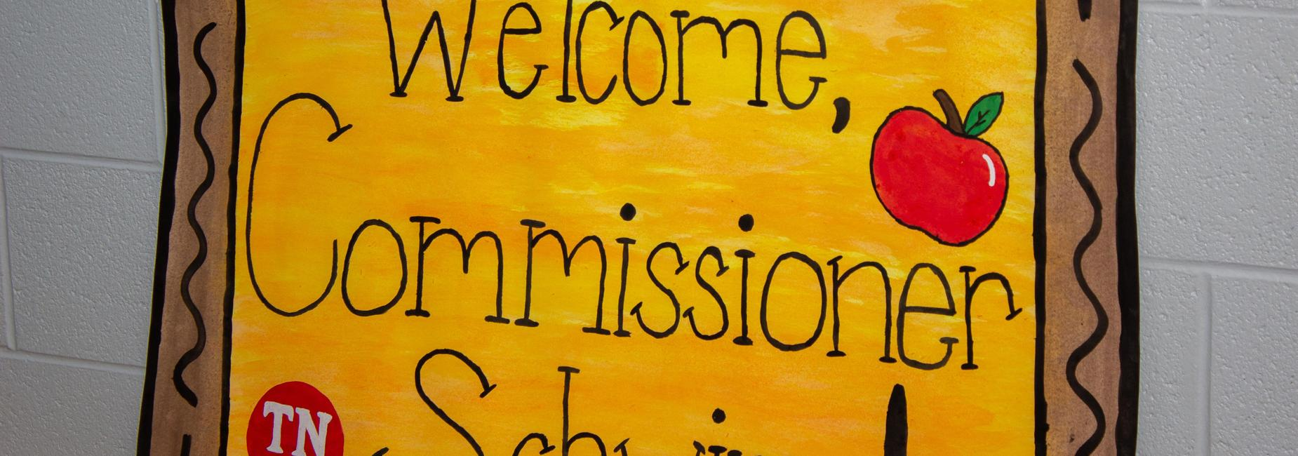 Commissioner Schwinn visits LES.
