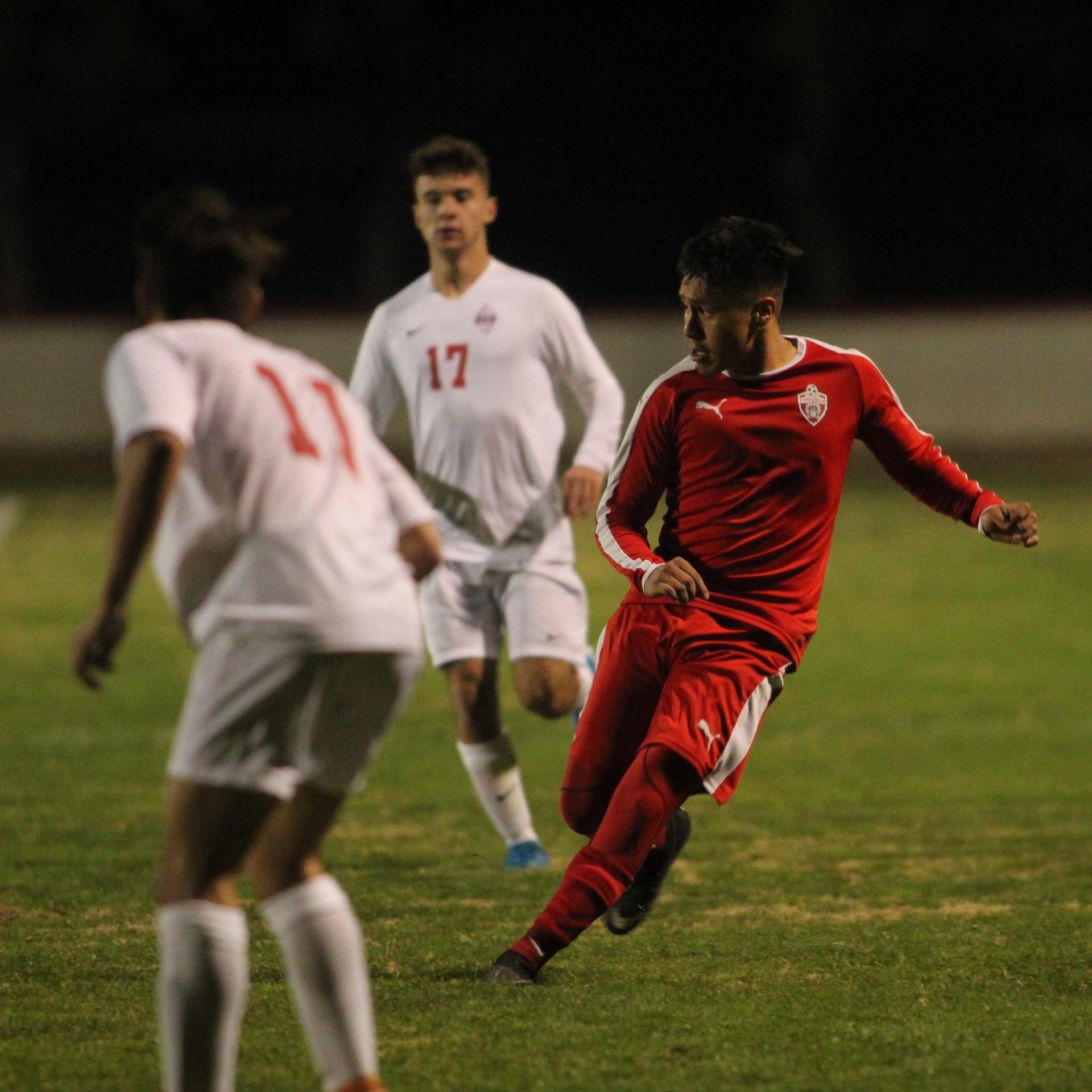 Edwin Reyes kicking