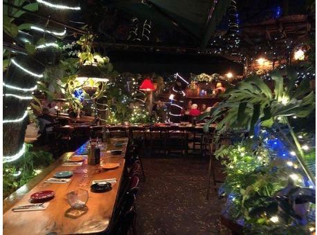 interior of the garlic restaurant