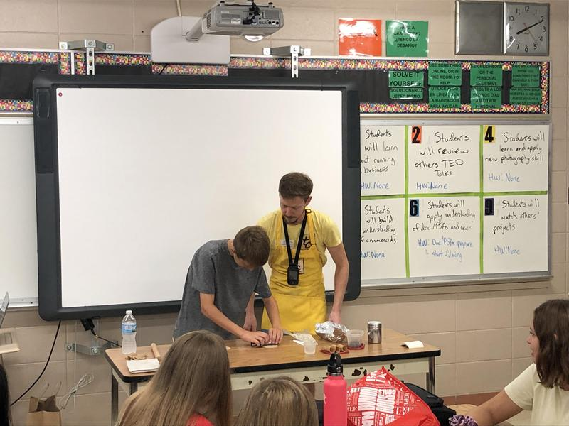 Local Entrepreneur Speaks to Students Featured Photo