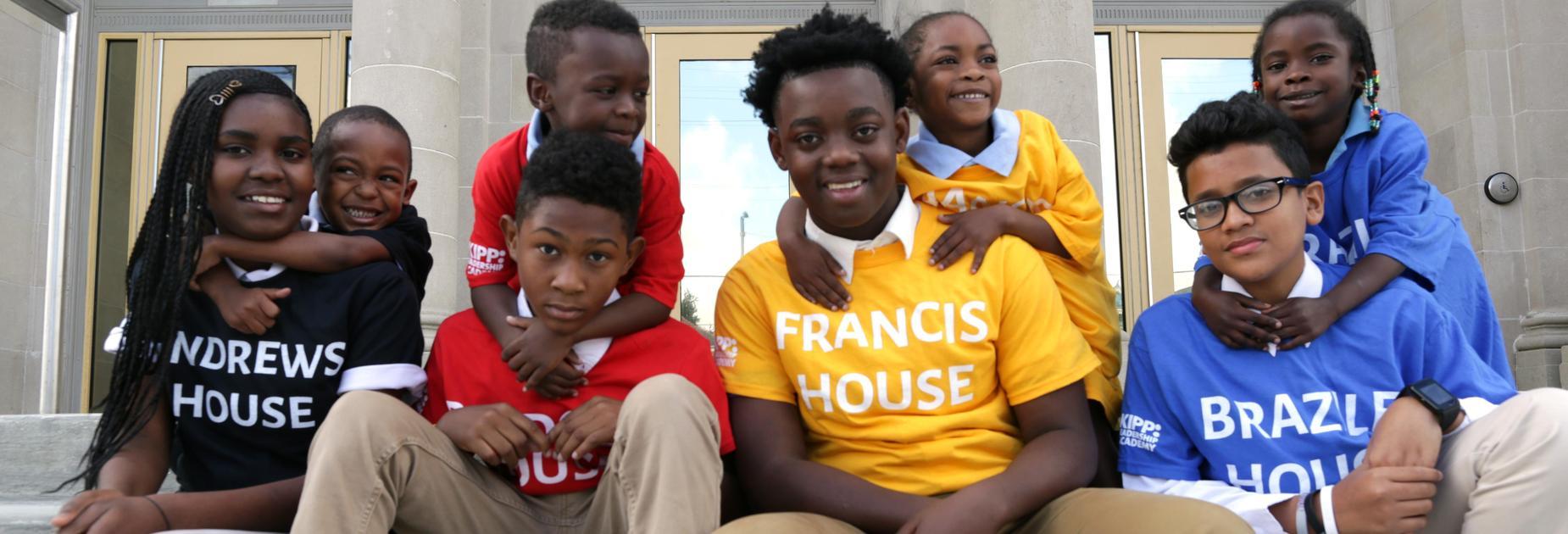 4 KLP and 4 KLA students wearing house T-shirts