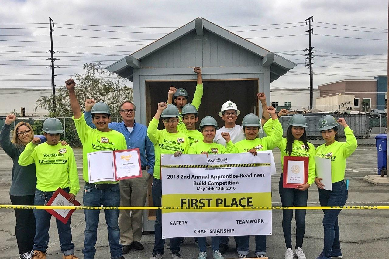 LA CAUSA students win first place in construction competition