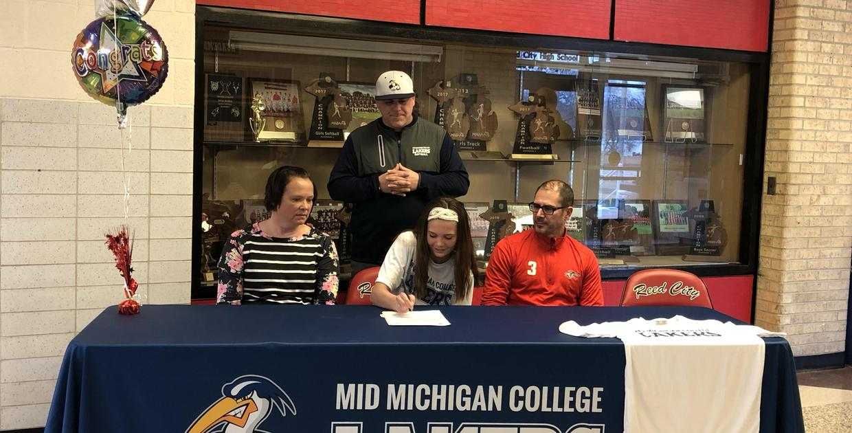 Signing Day for Kamryn Myers