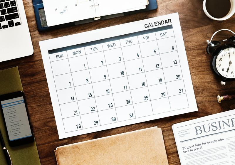 Photo of a desk calendar.