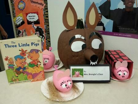 The Three Little pigs Pumpkin