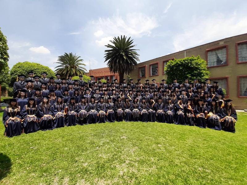 Graduación Featured Photo