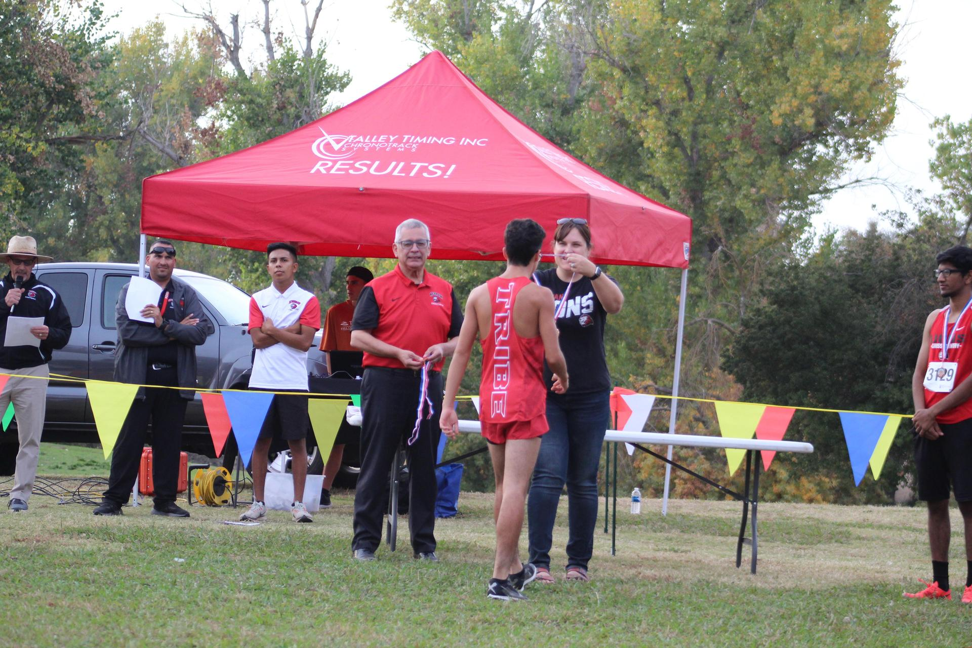 Ryan Diaz receiving medals