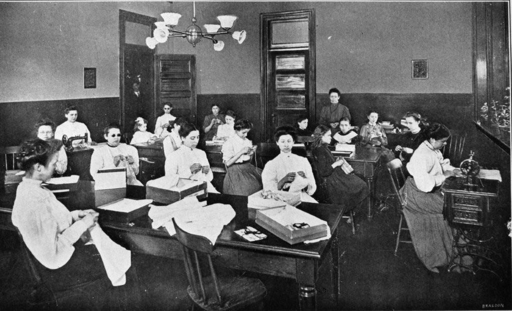 another historic picture of a class at wpsbc