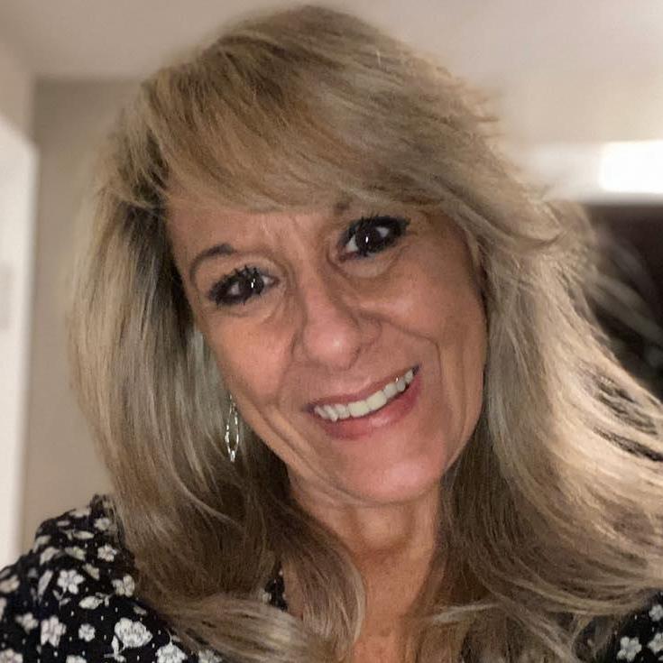 Deb Lastra's Profile Photo