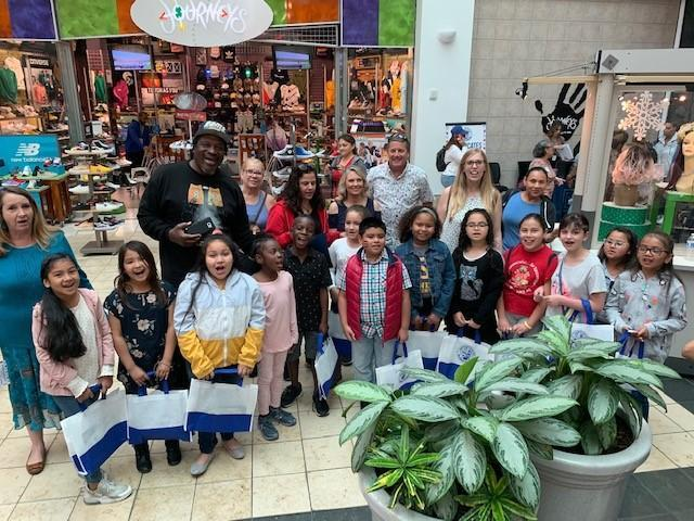 Students at mall for Reading Festival