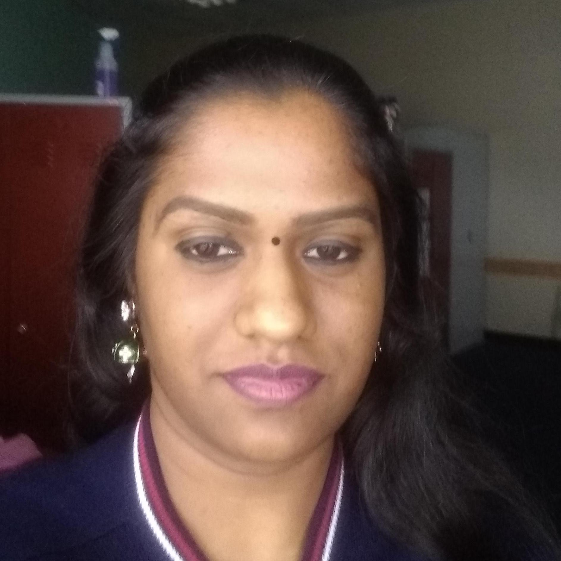 Meenakshi Santhoshbabu's Profile Photo