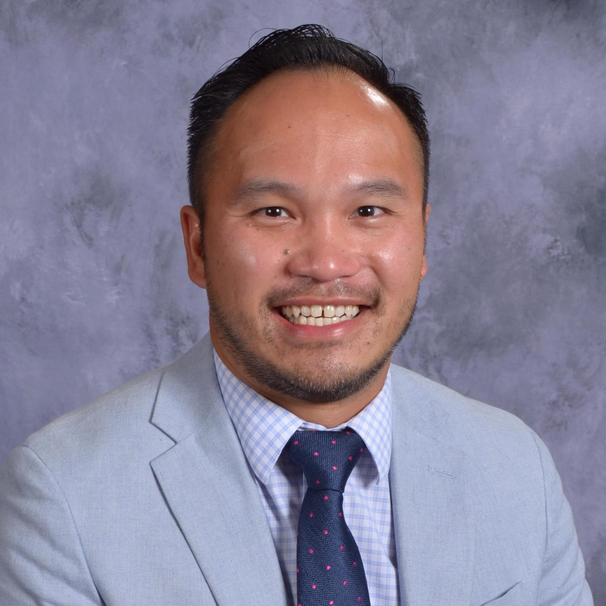 Tung Nguyen's Profile Photo
