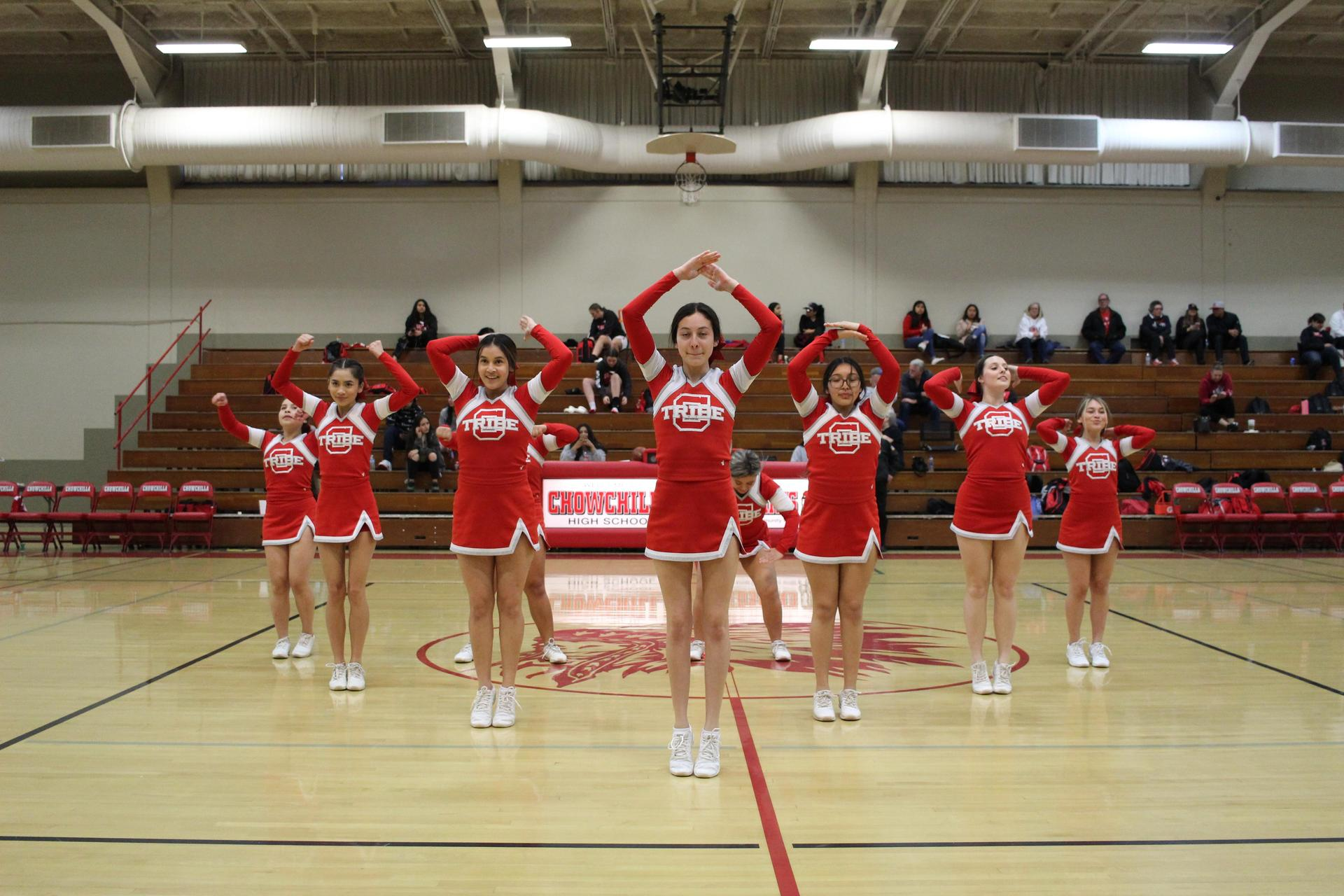 cheerleaders cheering