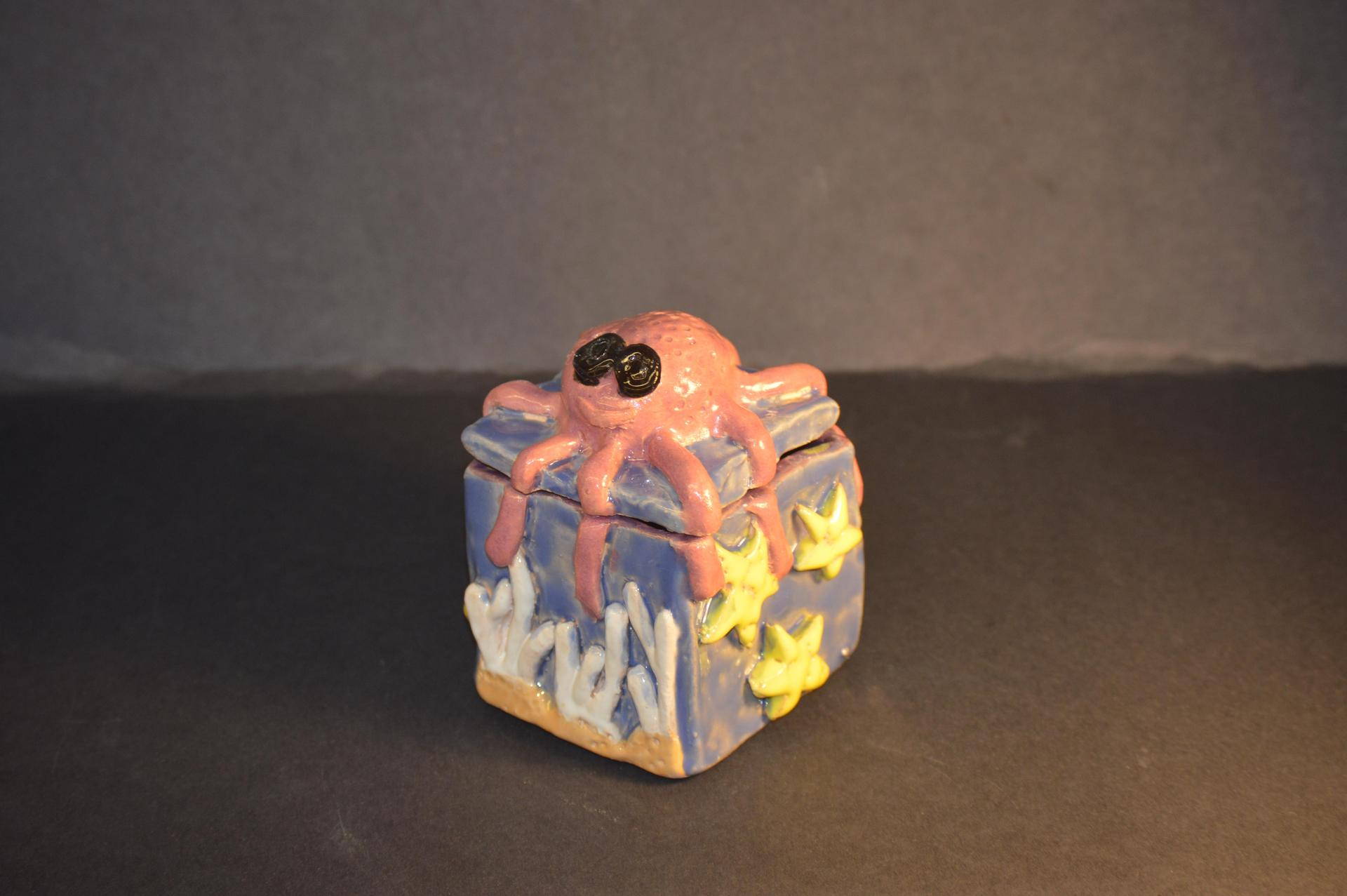 Slab Box by Elizabeth Kusnetsova