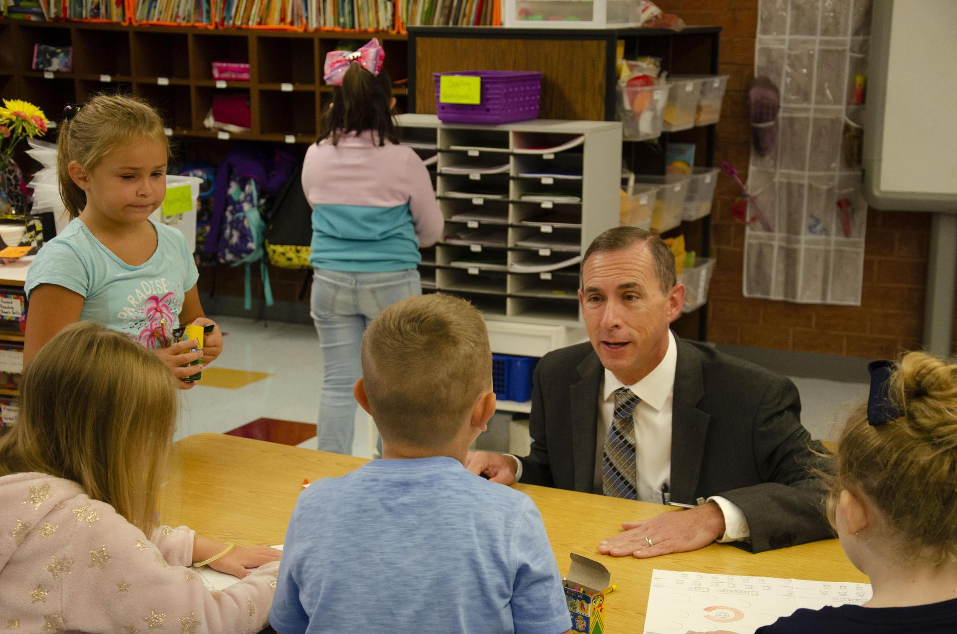 Dr. Sutton visits Harris Elementary School