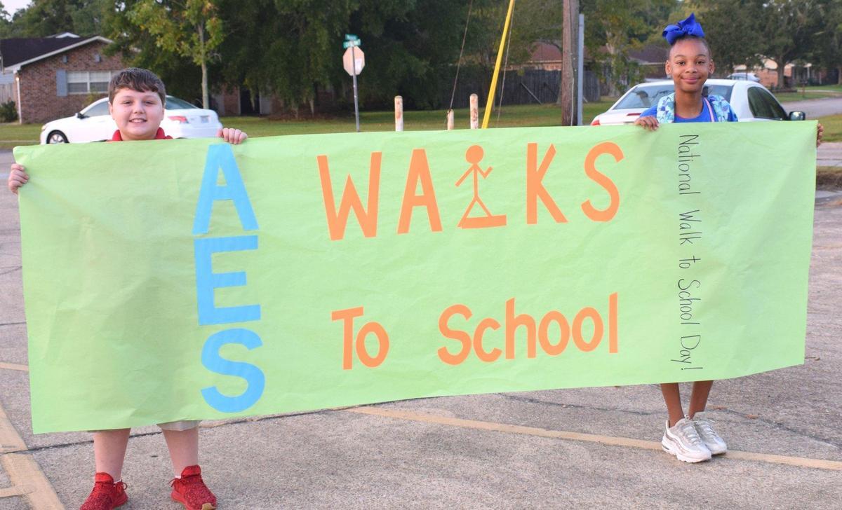Arlington Elementary Celebrates Walk to School Day