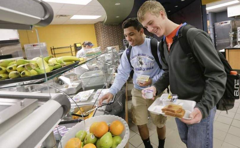 High School students free breakfast picture