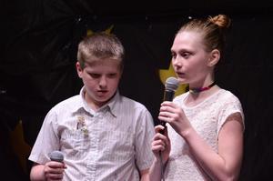2 5th grade singers.