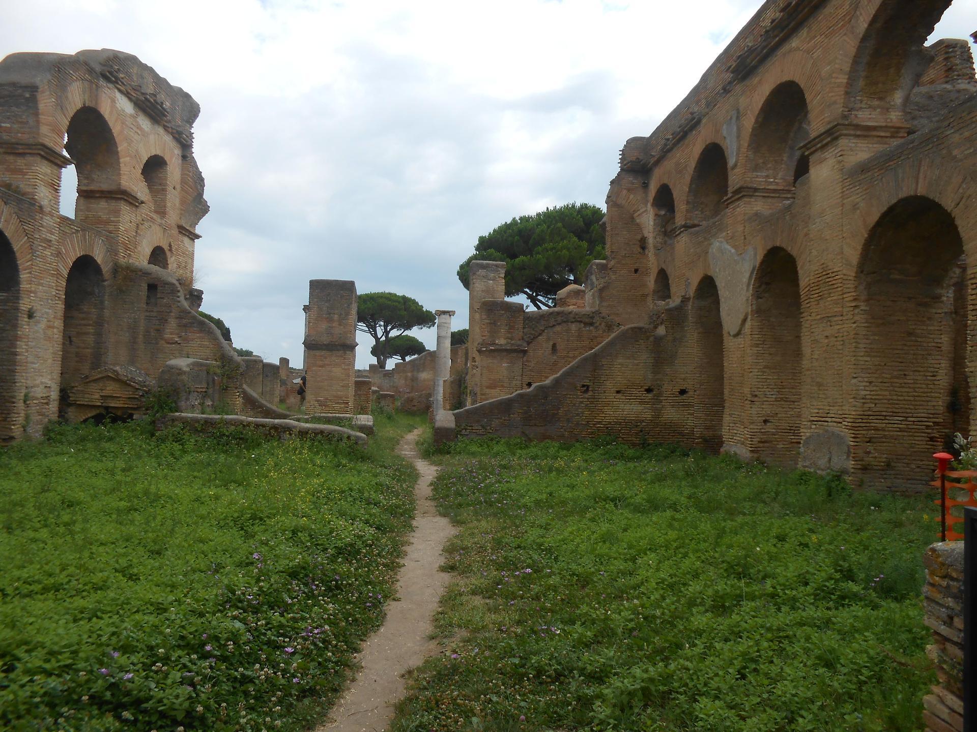 Avenue in Ostia Antica