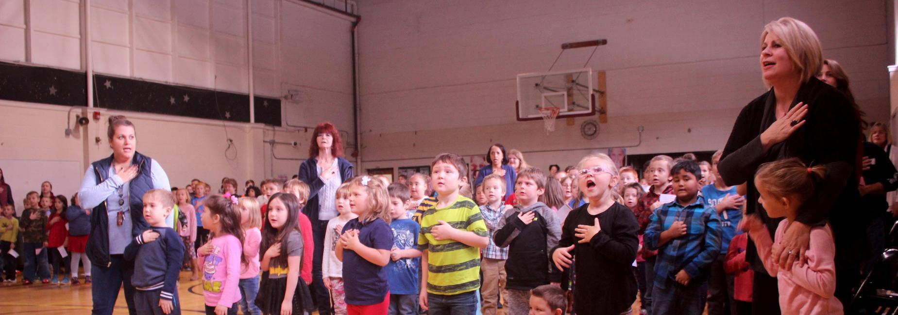 kids saying Pledge of Allegiance