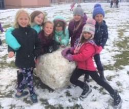 kids and snowball