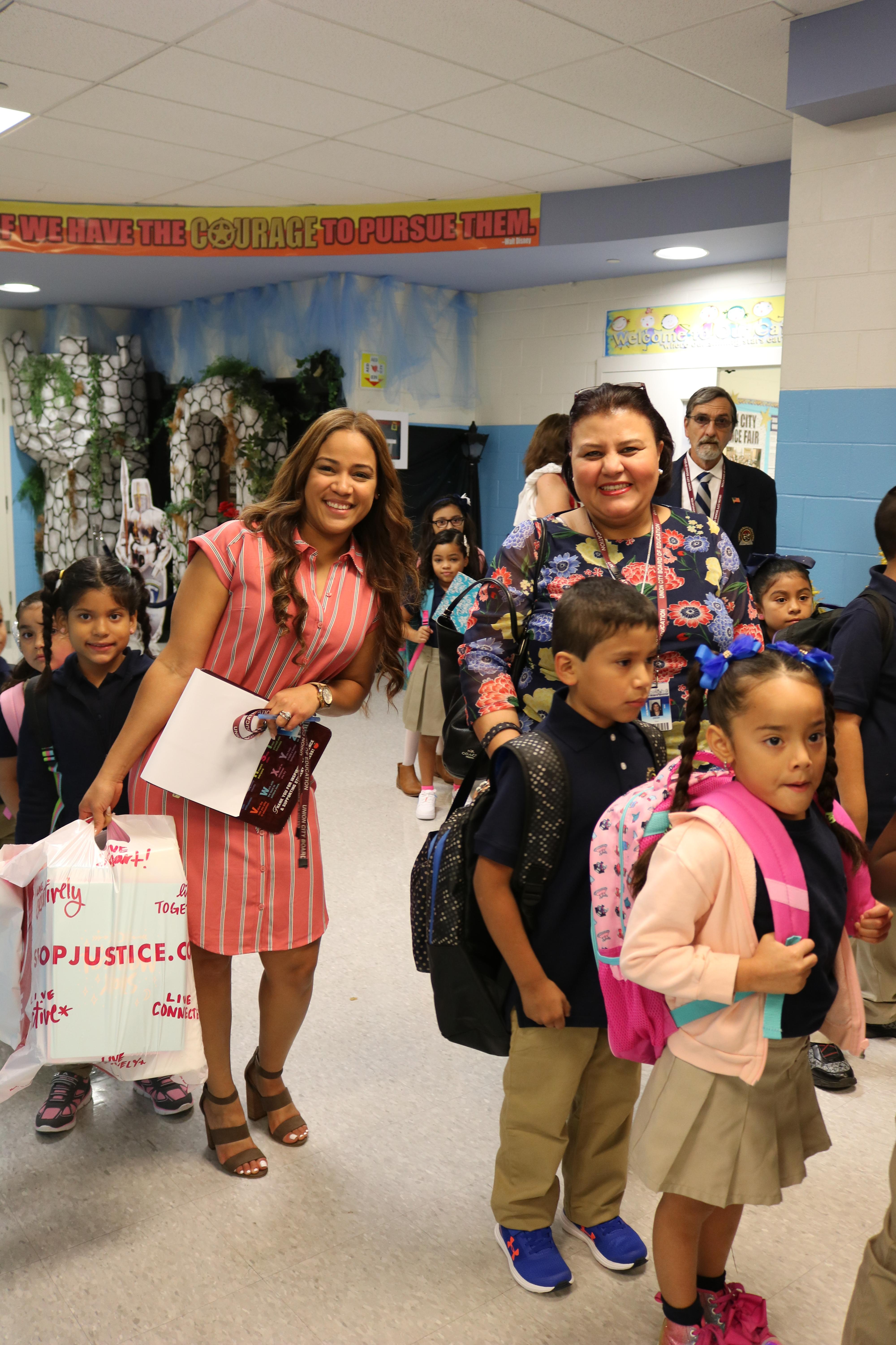 CP Parents and children ready for first day