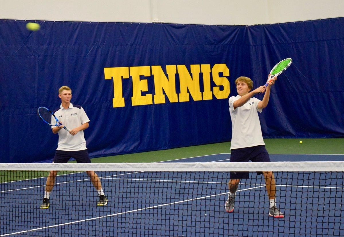 Students playing in the Seay Tennis Center