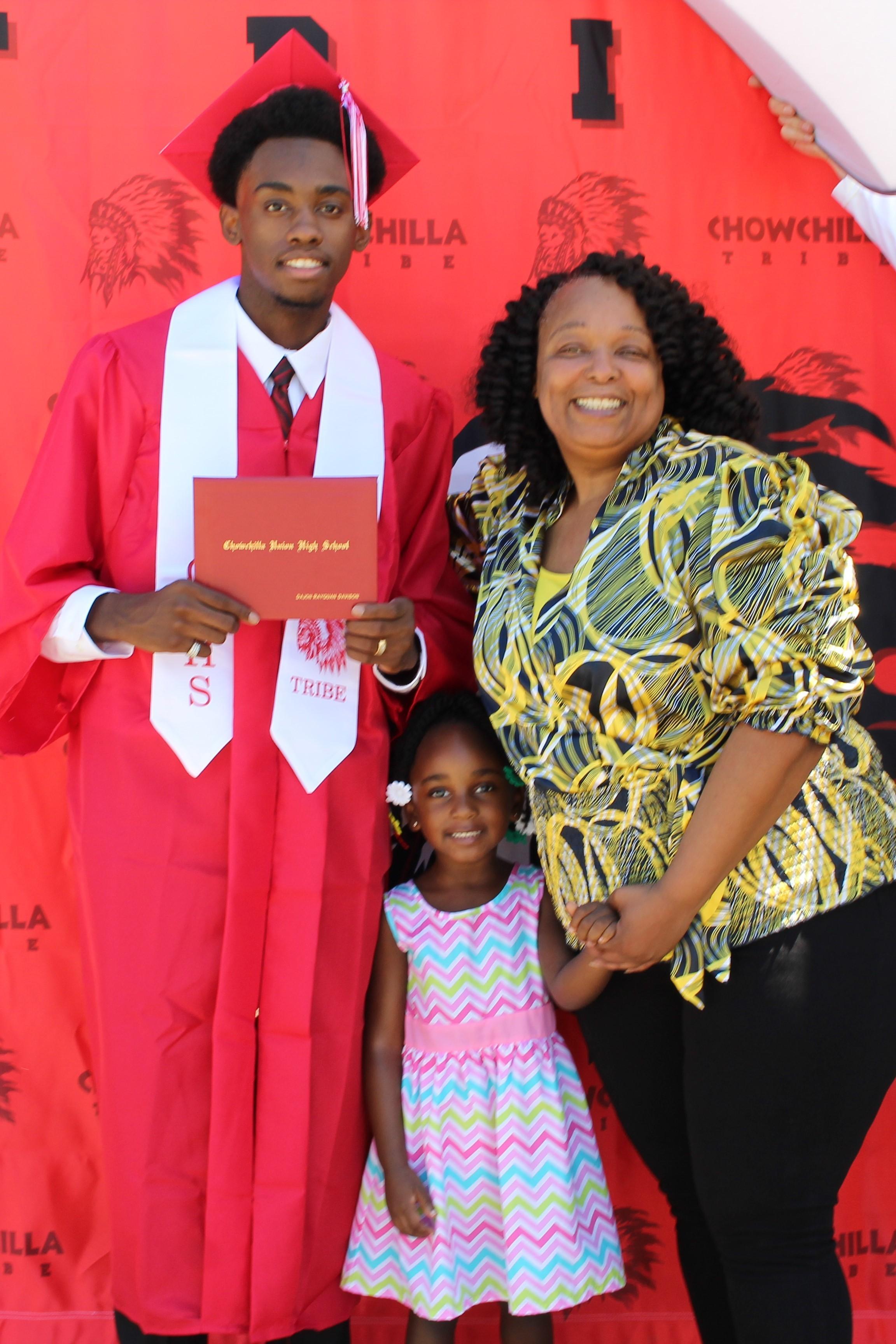 Dajon Davison and family