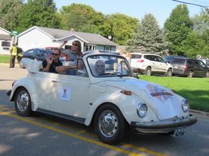 The TK Alumni Association members served as grand marhsals in the homecoming parade.