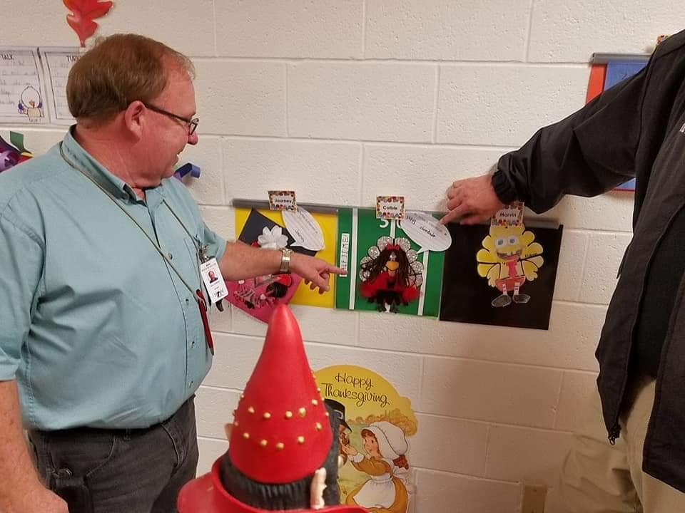 Judges Picking the Winner of the 1st Graders' Turkeys in Disguise 2018