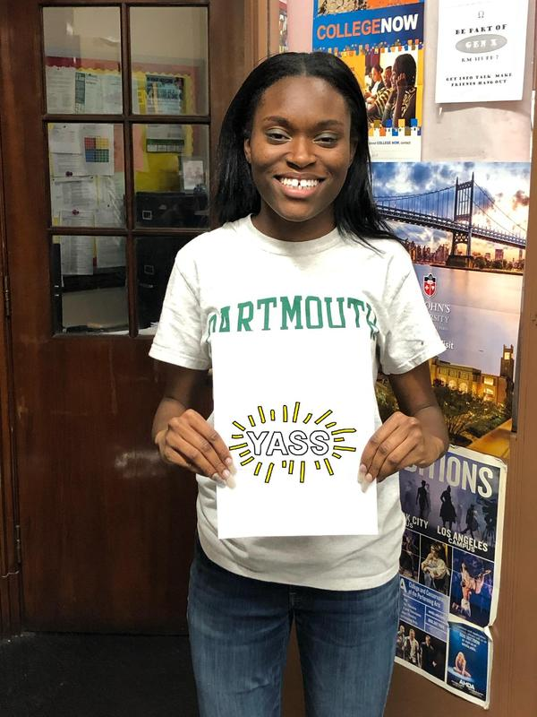 Student wearing Dartmouth t-shirt