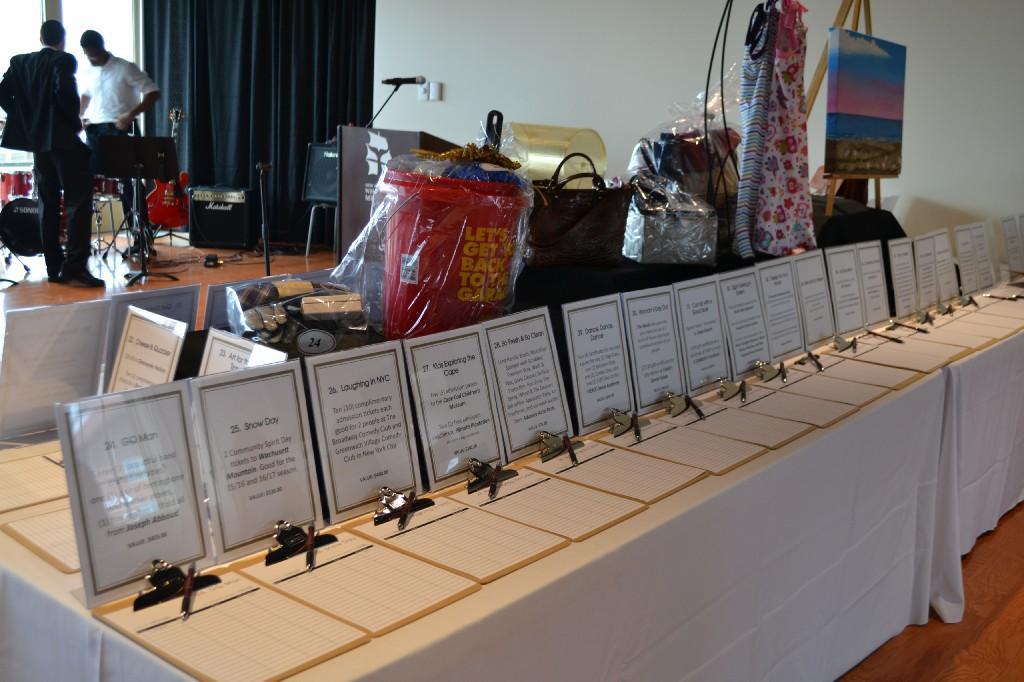 Auction Table