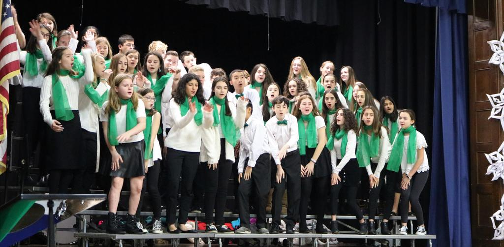 Photo of Edison Broadway singers performing at McKinley.