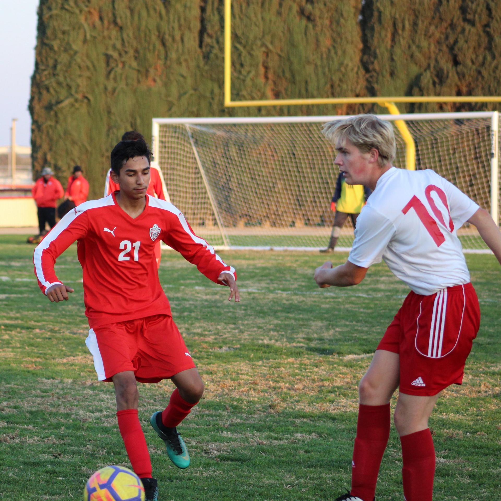 Brian Zamora with the ball
